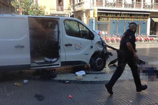 Vụ đâm xe tải tại Tây Ban Nha qua lời kể của nhân chứng