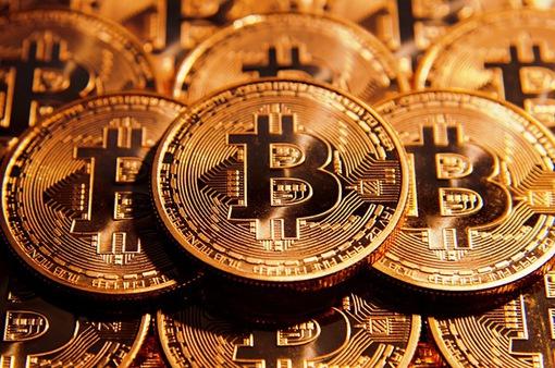 Bitcoin lần đầu vượt ngưỡng 2.500 USD, tiềm ẩn nhiều rủi ro