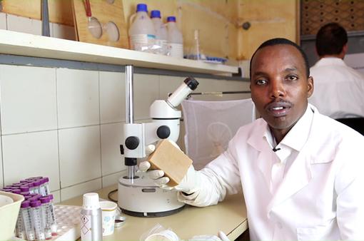 Xà phòng chống muỗi đốt tại châu Phi