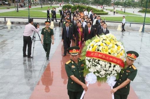 Tưởng nhớ anh hùng liệt sỹ quân tình nguyện Việt Nam tại Campuchia