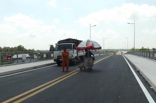 Thông xe cầu Long Bình nối Việt Nam - Campuchia