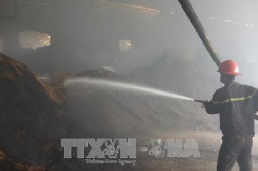 Hỗ trợ gia đình nạn nhân vụ cháy xưởng gỗ ở Bình Dương