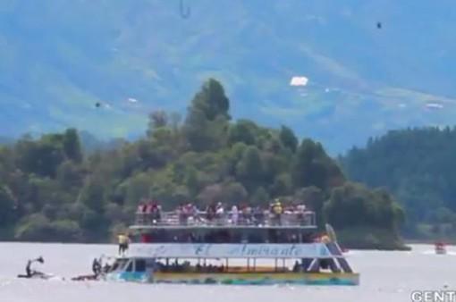 Chìm tàu du lịch tại Colombia, 9 người thiệt mạng