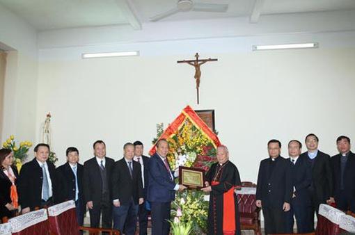 Phó Thủ tướng Trương Hòa Bình chúc mừng đồng bào Công giáo dịp Giáng sinh