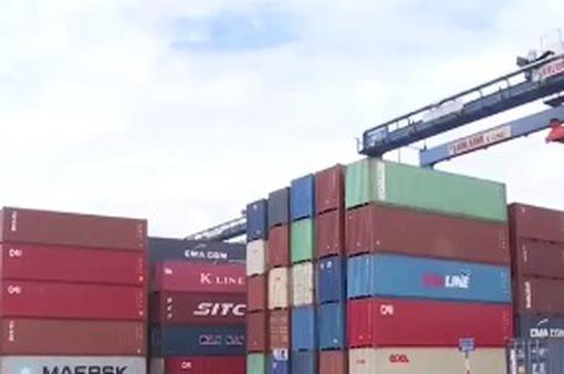 TP.HCM: Hàng nghìn container hàng của doanh nghiệp nhập khẩu đang ùn ứ tại cảng