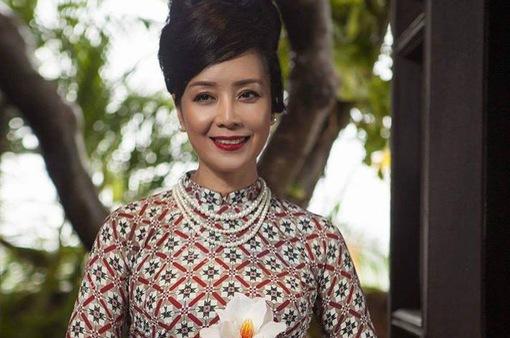 NSƯT Chiều Xuân tiết lộ lý do thích diện áo dài trong các sự kiện lớn