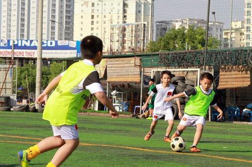Trẻ nên vận động ít nhất 60 phút/ngày