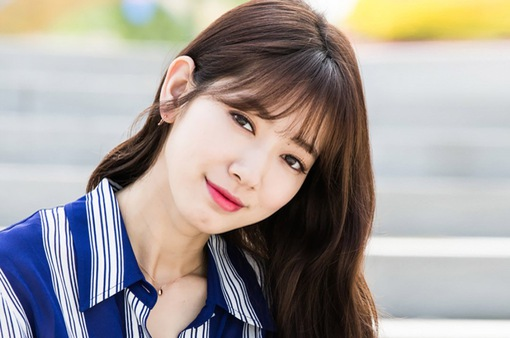 """Park Shin Hye nhận """"cơn mưa"""" lời khen vì hành động nghĩa hiệp này"""