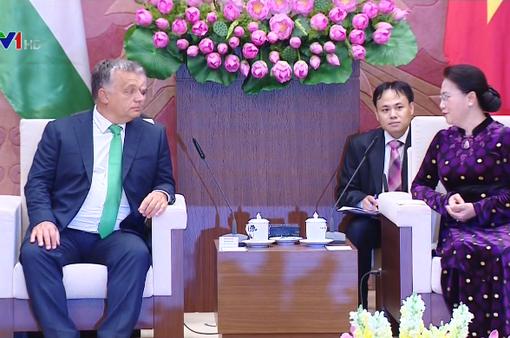 Chủ tịch Quốc hội cảm ơn Chính phủ Hungary tăng số học bổng cho du học sinh Việt Nam
