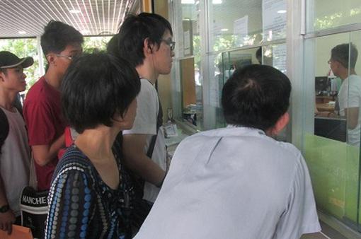 Chuyển hồ sơ xét tuyển đại học qua đường bưu điện