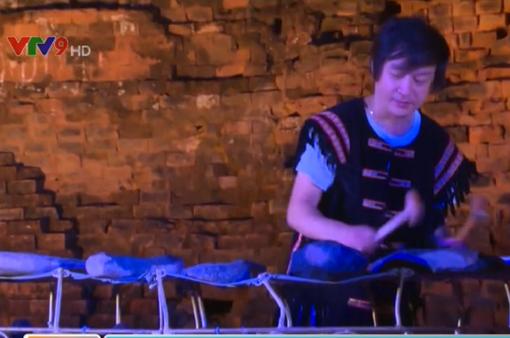 Tiếng lòng qua âm thanh nhạc cụ đá ở Phú Yên