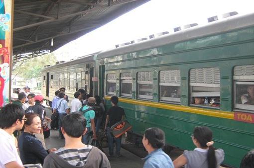 Tăng cường các chuyến tàu TP.HCM - Nha Trang dịp lễ 30/4