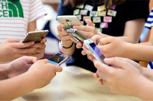 55% người Việt Nam dùng điện thoại thông minh