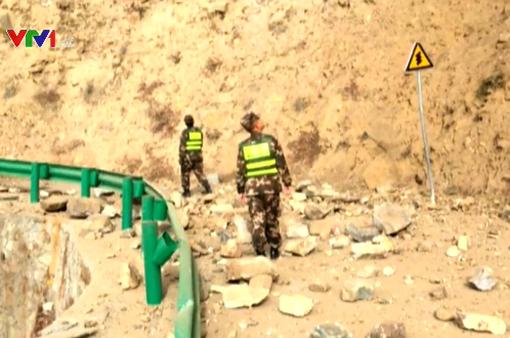 Động đất 6,3 độ richter rung chuyển cả một vùng ở Trung Quốc
