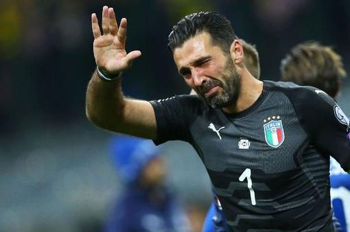 """Chia tay Juventus, Buffon """"gật đầu"""" với PSG?"""
