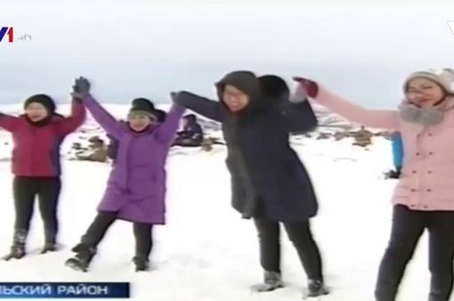 Đài Truyền hình Nga đưa tin đoàn Việt Nam phát triển du lịch tại Bắc Cực