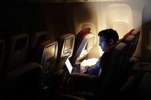Mỹ có thể cấm các thiết bị điện tử lên các chuyến bay quốc tế