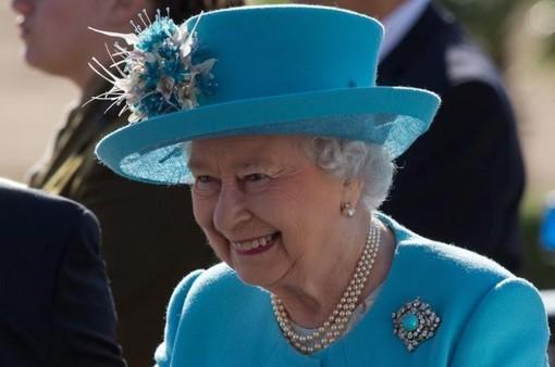 Chính phủ Anh tăng mức lương của Nữ hoàng Elizabeth đệ nhị
