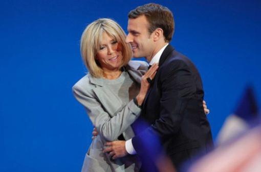 Chuyện tình cổ tích của ứng viên Tổng thống Emmanuel Macron
