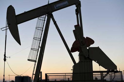 Giá dầu thế giới chạm mốc cao nhất trong 6 tuần