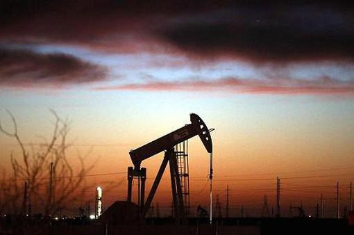Giá dầu WTI tăng lên mức cao nhất trong 2 năm rưỡi