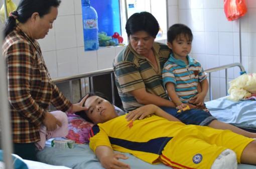Đồng Tháp: Yêu cầu nghiêm khắc xử lý vụ bệnh nhân bị cắt chân oan