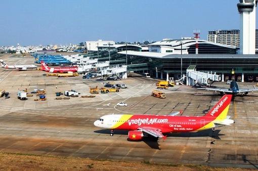 Nhắc nhở các hãng hàng không về tỷ lệ chậm, hủy chuyến
