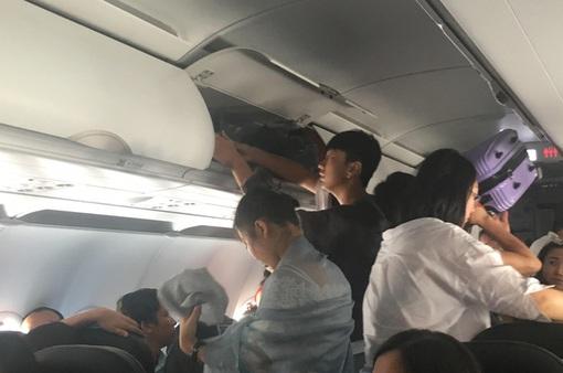 Cãi nhau trên máy bay, 2 nữ hành khách bị cấm bay