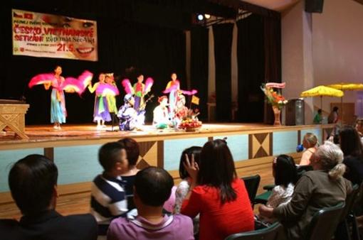 Sôi động Lễ hội văn hóa Czech -Việt