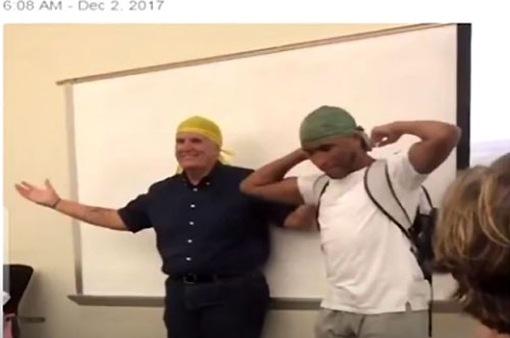 Sinh viên chia sẻ về biểu tượng văn hóa với thầy giáo gây sốt cộng đồng mạng