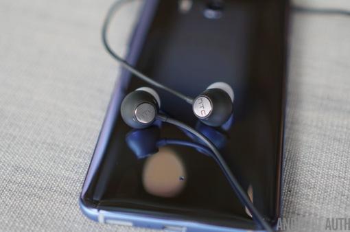 Tính năng khử tiếng ồn của tai nghe HTC chỉ hoạt động trên HTC U11