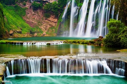 Chiêm ngưỡng thác nước hùng vĩ ở Quý Châu, Trung Quốc