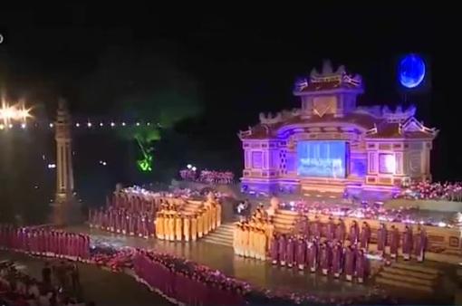 Sắc màu rực rỡ trong lễ tổng duyệt Festival Nghề truyền thống Huế 2017