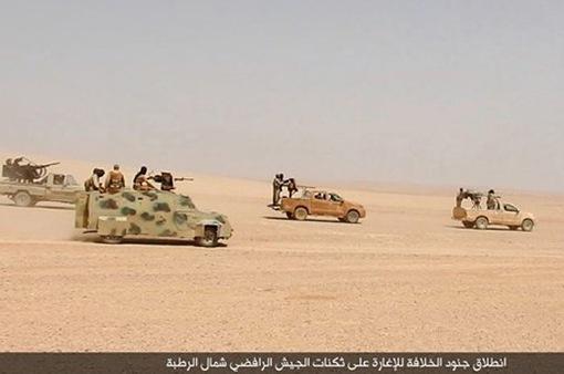 Iraq mở chiến dịch đánh bật IS ra khỏi vùng sa mạc