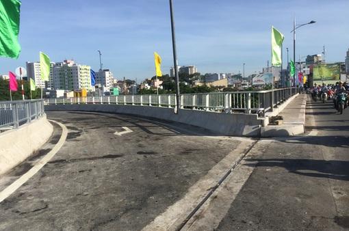 TP.HCM: Thông xe hai nhánh cầu nối cầu Nguyễn Văn Cừ