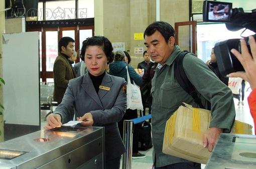 Soát vé tự động tại ga Sài Gòn: Nhanh gọn, văn minh