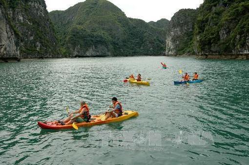 Dịch vụ chèo thuyền kayak được hoạt động trở lại