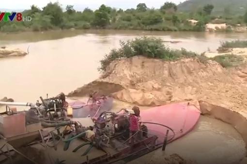 Kiên quyết xử lý nạn khai thác cát sỏi trái phép trên sông Hương