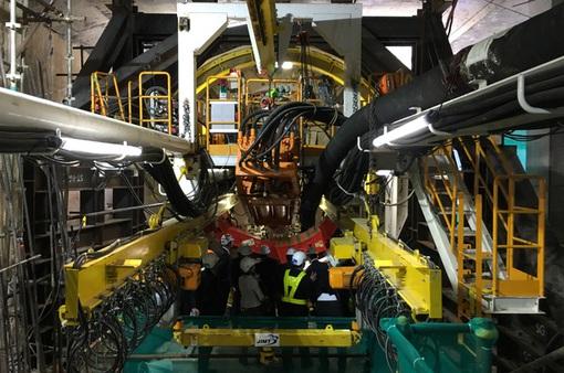 Bắt đầu khoan tuyến metro số 1 bằng khiên đào hầm TBM