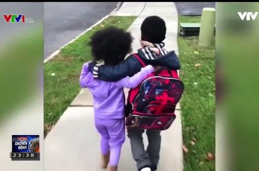 Tan chảy với clip anh trai và em gái ôm nhau sau giờ tan trường