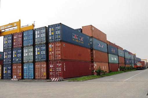 """Tạm giữ 10 container hàng """"nhái"""" tại cảng Hải Phòng"""