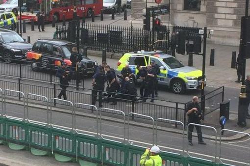 Anh triệt phá 2 vụ khủng bố tại London chỉ trong vòng 24 giờ