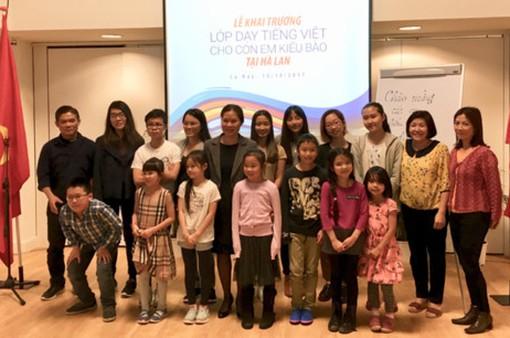 Lớp học tiếng Việt đầu tiên cho con em Việt kiều tại Hà Lan