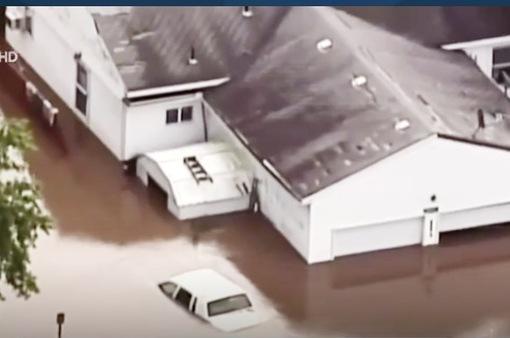 Mưa gây ngập lụt nghiêm trọng ở Mỹ và Colombia