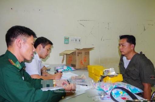 Phá đường dây buôn bán ma túy đá xuyên quốc gia