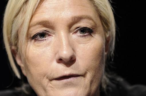 Nghị viện châu Âu xem xét tước quyền miễn trừ của bà Le Pen