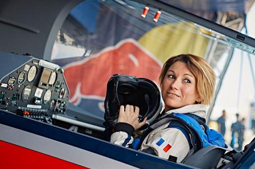 Nữ phi công đầu tiên đạt chức vô địch trong cuộc thi Air Race