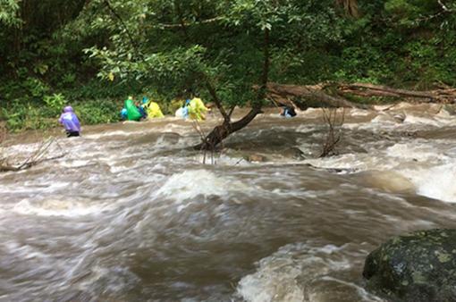 Nguy hiểm khi phượt mạo hiểm trong mùa mưa lũ