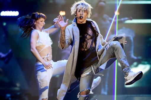 Hủy tour lưu diễn thế giới, Justin Bieber xin lỗi khán giả