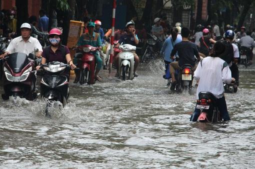 Cảnh báo ngập lụt khu vực nội thành Hà Nội